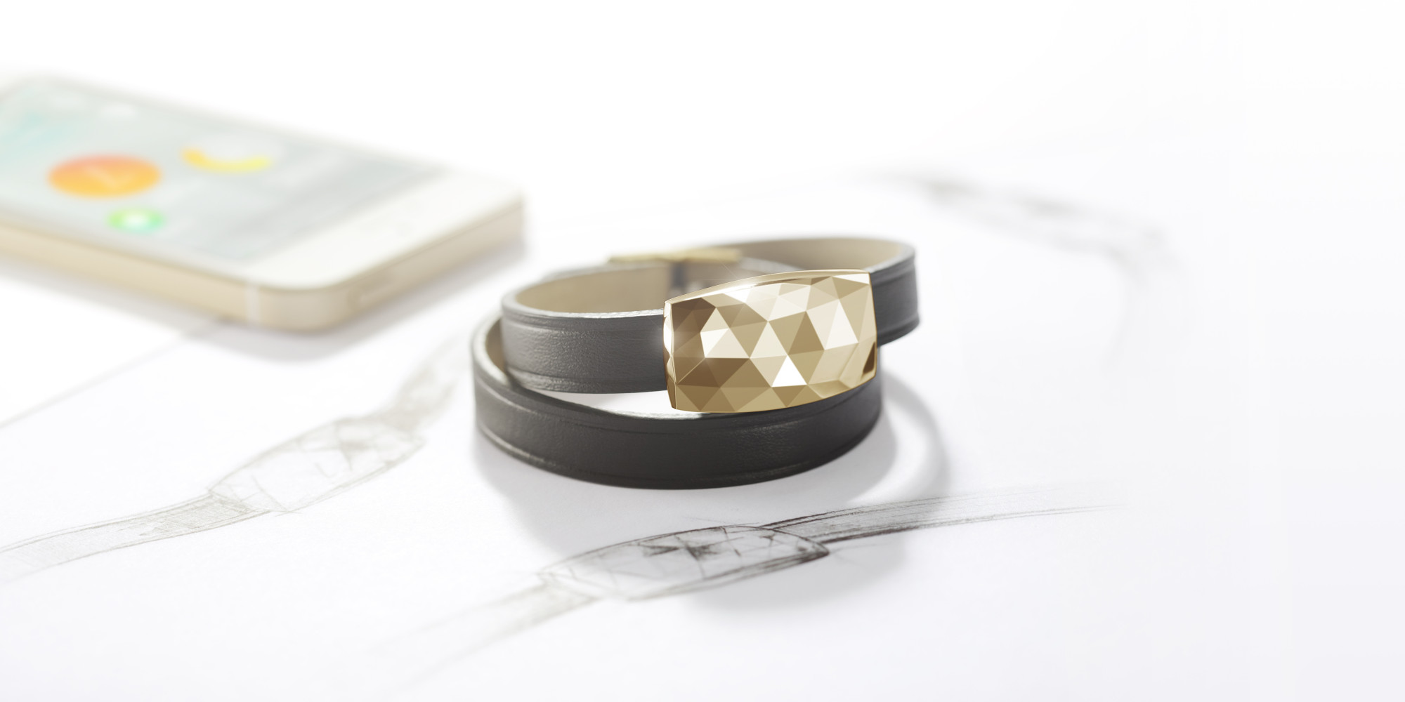 -- Netatmo's June bracelet pairs up with your smartphone to protect Mom from harmful sun exposure. The device's gem reads the exposure of UV rays throughout the day and, in conjunction with its app, informs her of these readings and gives advice...