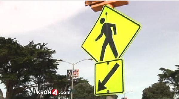 generic_pedestrian-street-crossing_133091