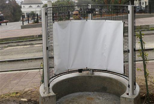 Open Air Urinal_304945