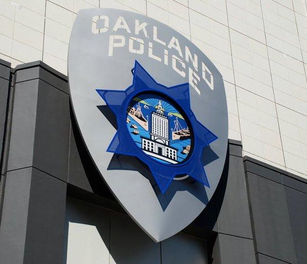 Oakland-Police_215060