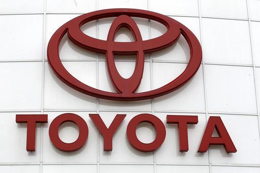 Earns Toyota_403388