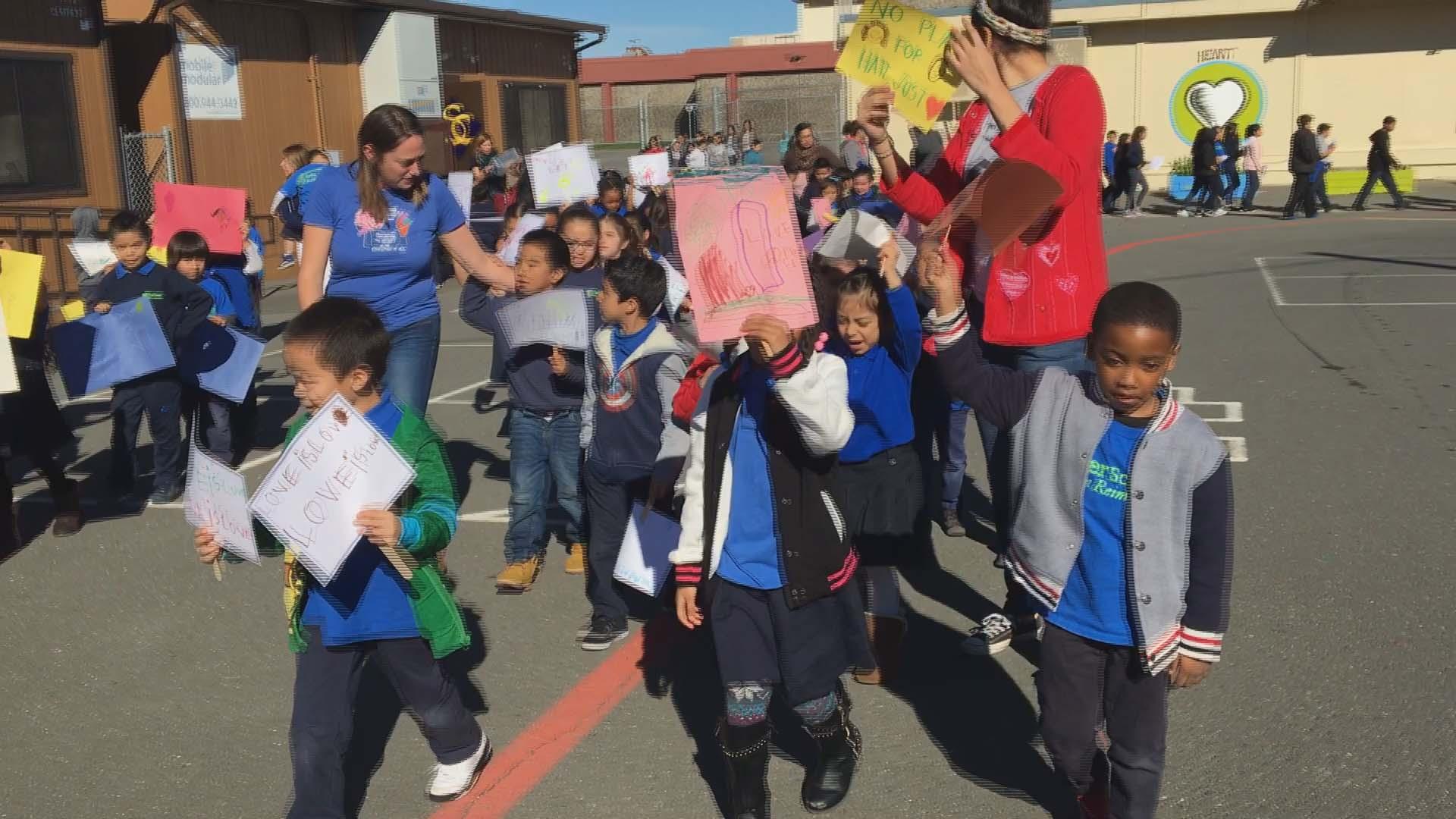 Childrens march_484999