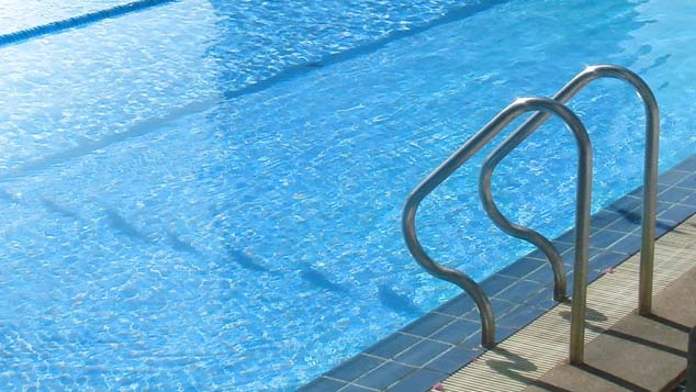 swimming-pool_559620