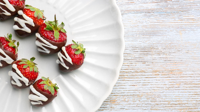 chocolate-covered-strawberries-recipes_1516397866083_334839_ver1-0_32155425_ver1-0_640_360_706393