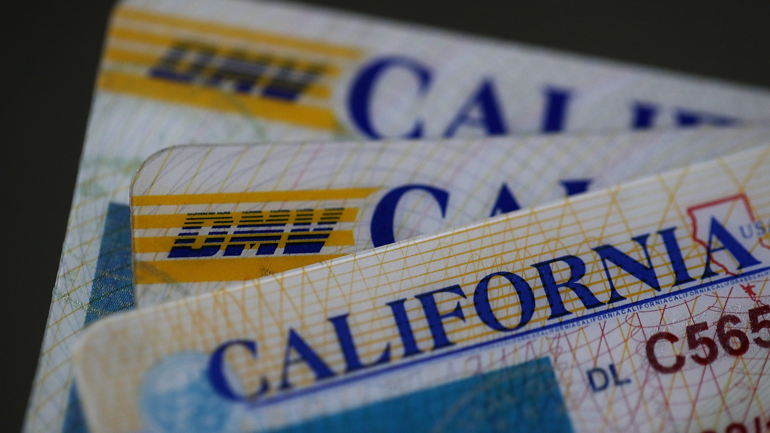 California DMV Accused of Violating Voter Registration Law_651742