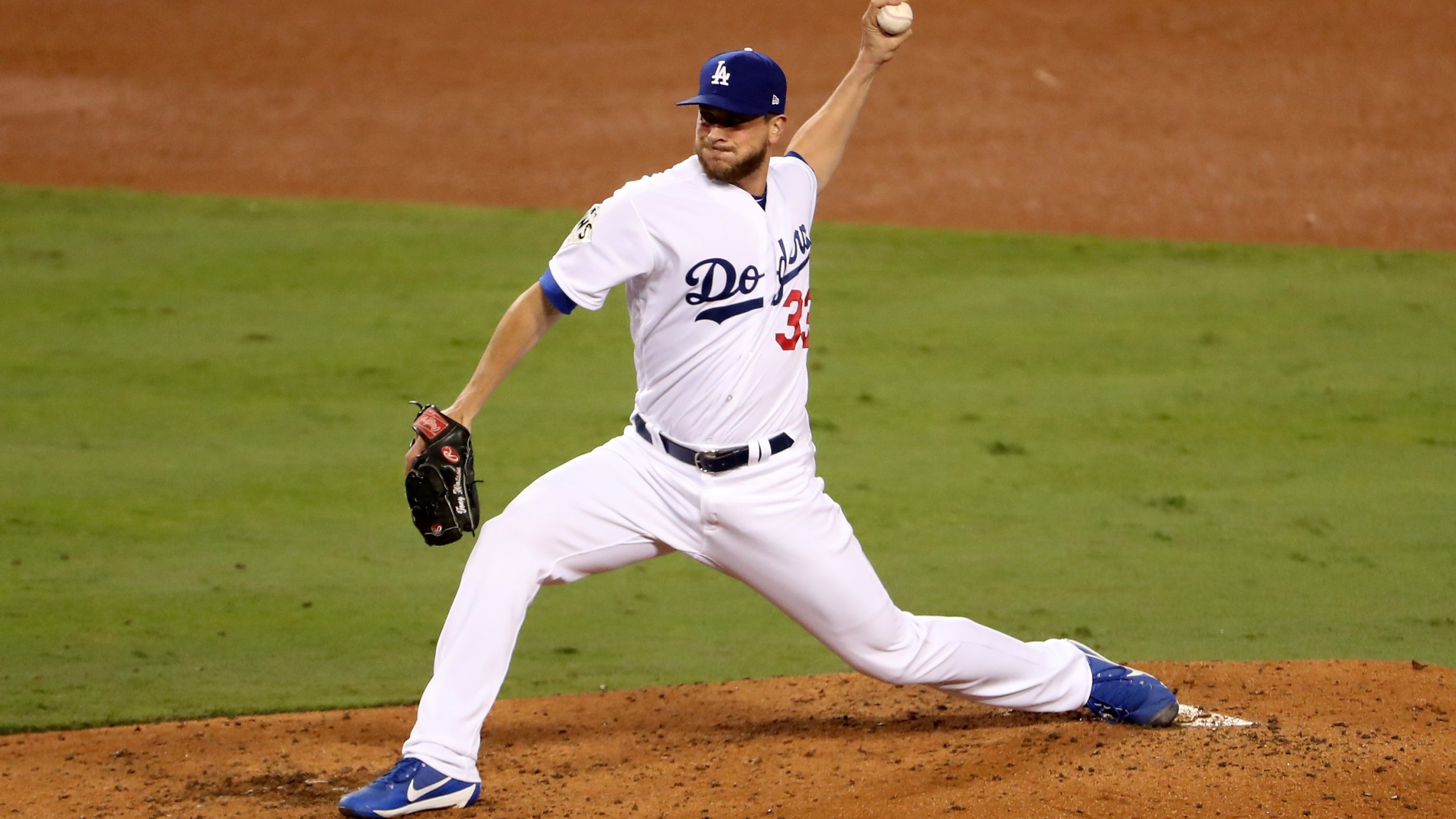 World Series - Houston Astros v Los Angeles Dodgers - Game Six_724576