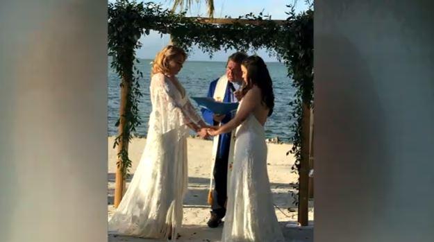 teacher wedding photo_719480