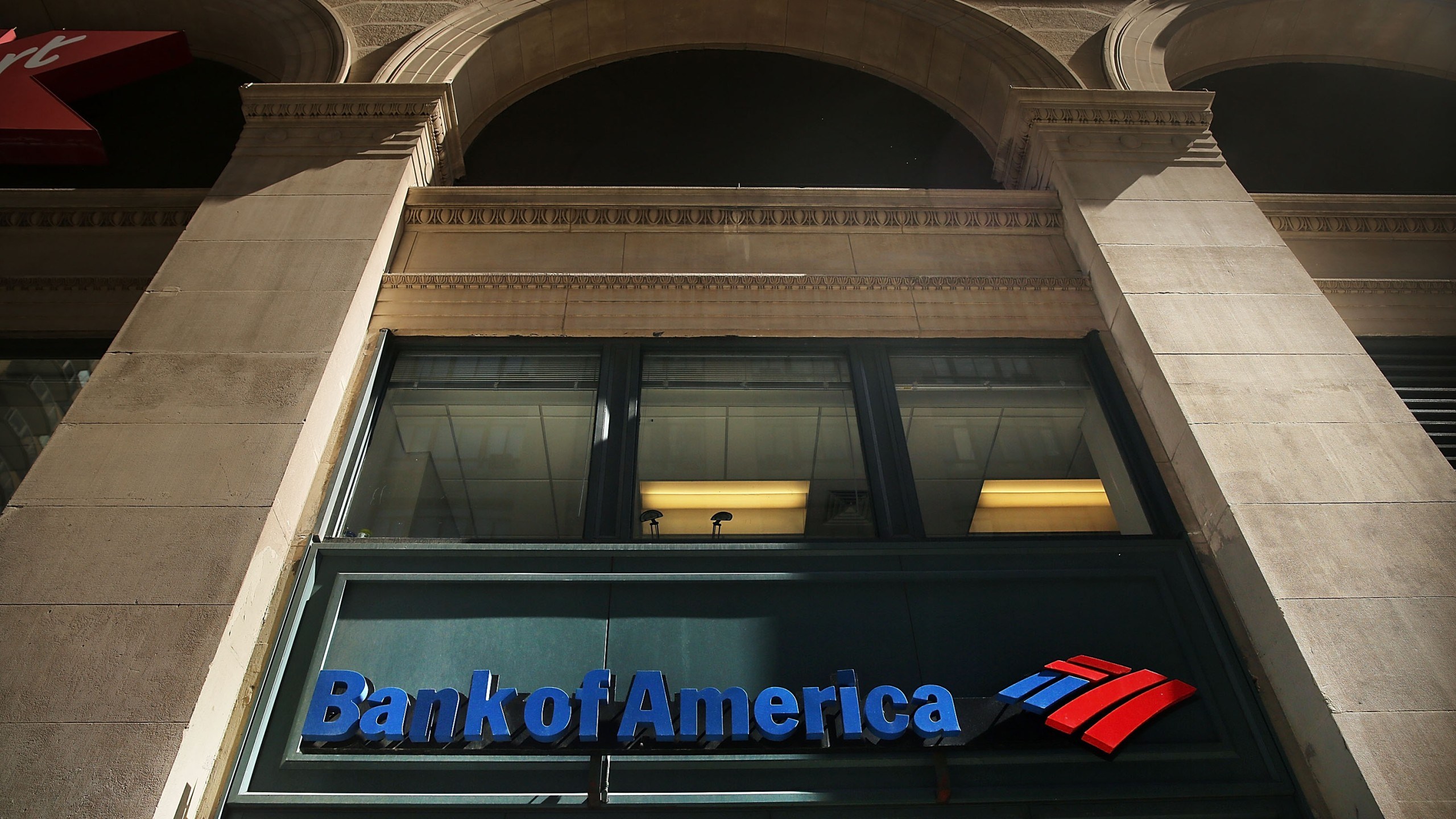 Bank Of America Reports Loss Due 6 Billion Dollar Legal Charge_714402