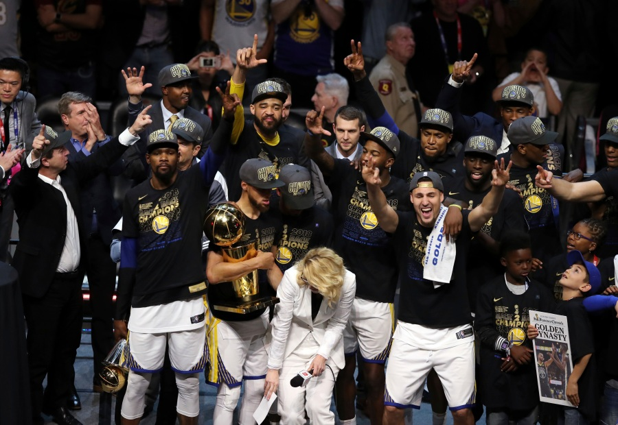 NBA_Finals_Warriors_Cavaliers_Basketball_43798-159532.jpg02171005