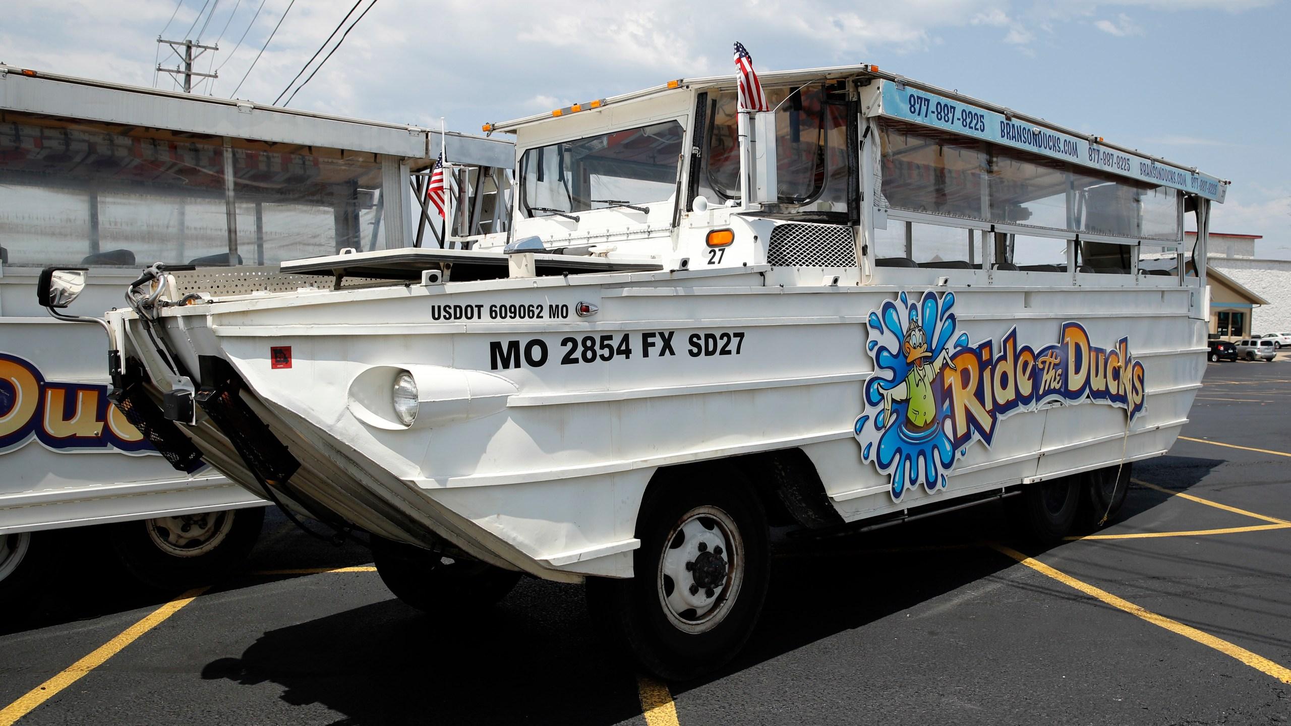 Missouri_Boat_Accident_Duck_Boats_43143-159532.jpg33946765