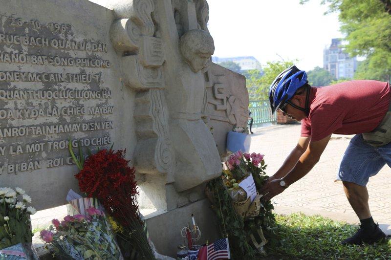 mccain memorial_1535379012850.jpeg.jpg