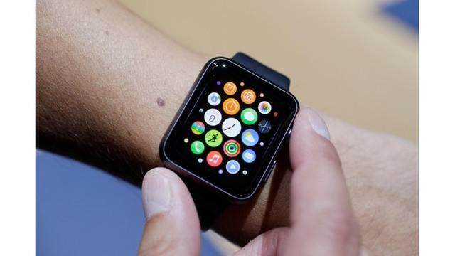 2015-03-09-apple-watch_39687863_ver1.0_640_360_1538532010253.jpg