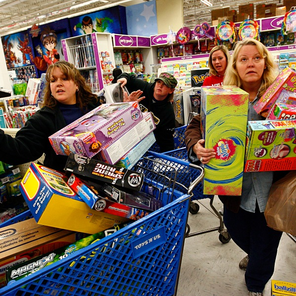 Eager Retailers Greet Crowds Of Shoppers On _Black Friday__673768