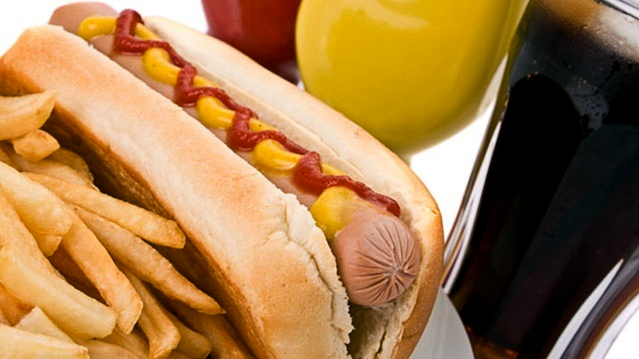 hot-dog-french-fries-unhealthy-food_1521483316137_353168_ver1_20180329055302-159532