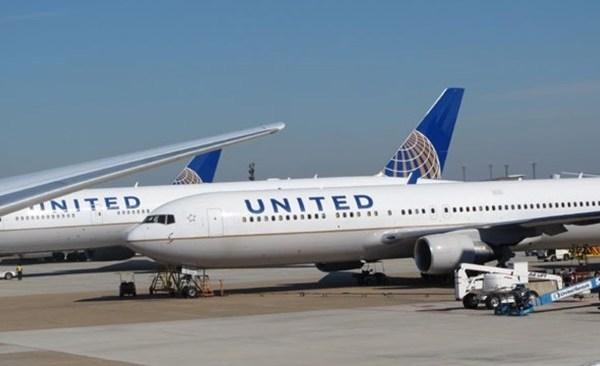united-airlines_1521117443553.jpg