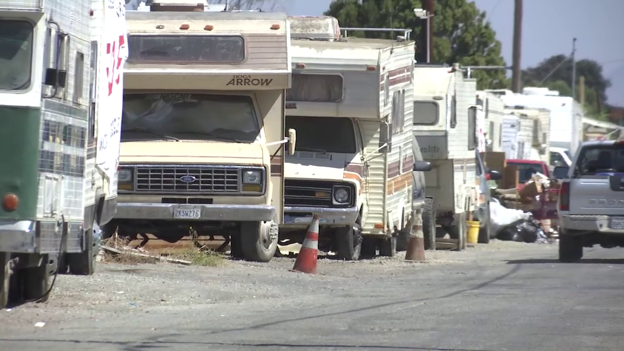 Growing number of people living in RVs on Palo Alto city streets