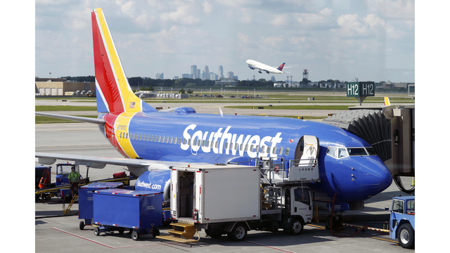 Earns Southwest Airlines_1541655391845