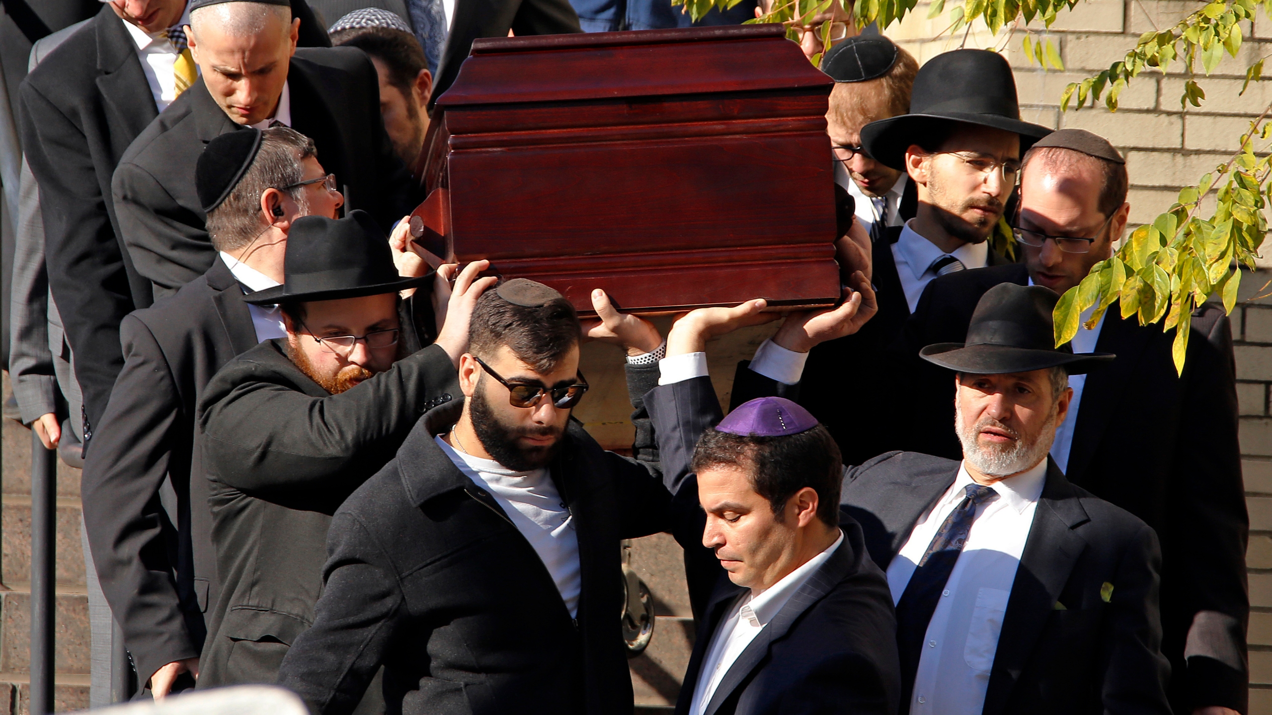Shooting_Synagogue_Funerals_87748-159532.jpg58597967