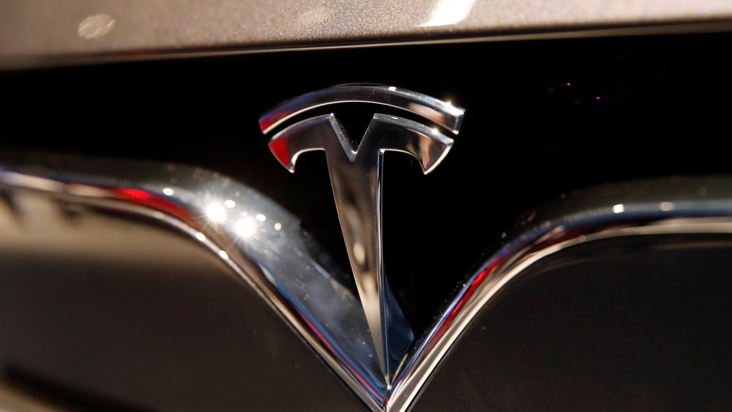 Tesla_Fast_Facts_36023-159532.jpg77467844