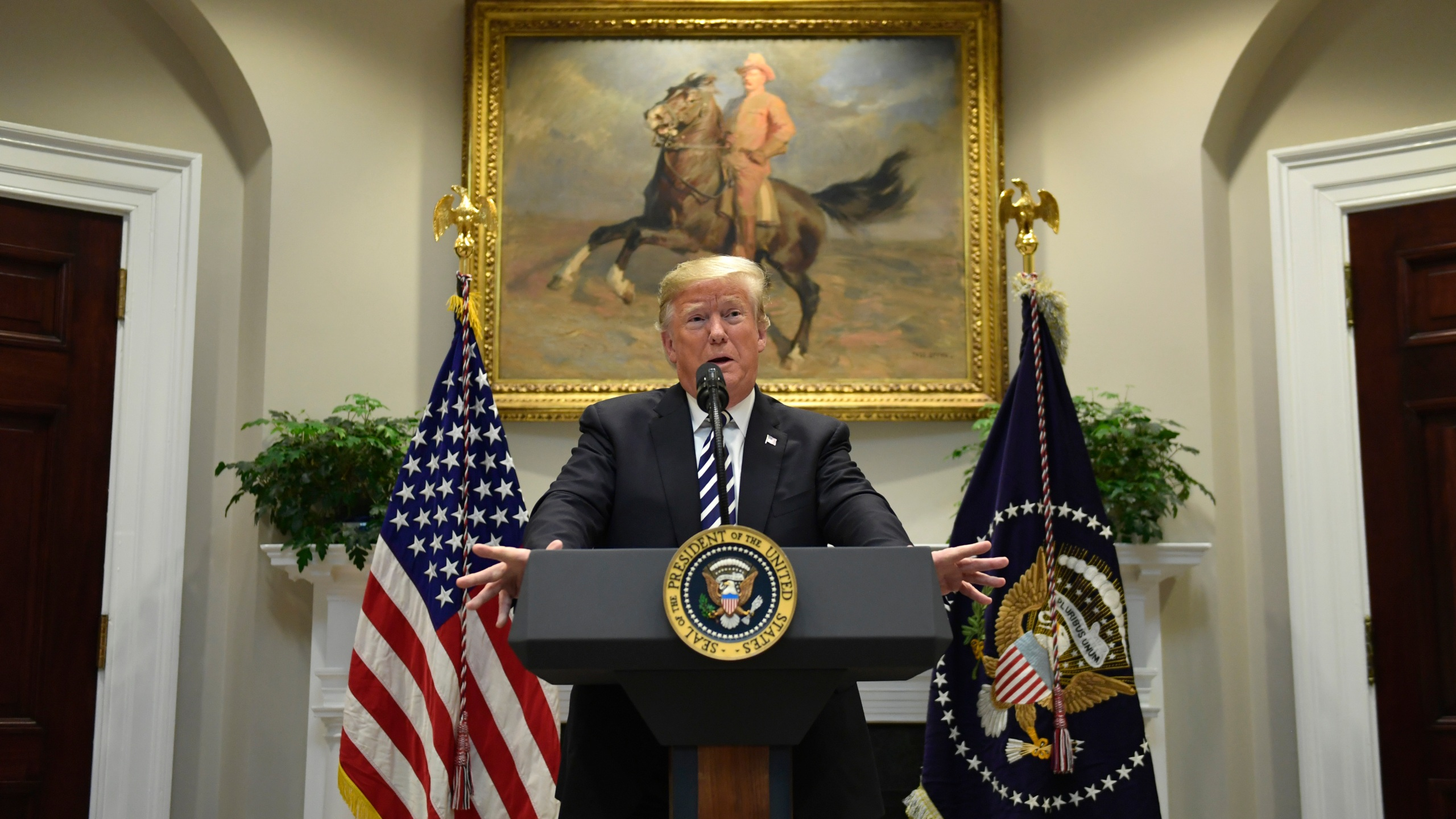 Trump_45610-159532.jpg06247552
