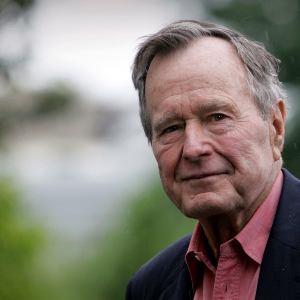 Obit_George_HW_Bush_39960-159532.jpg91812402