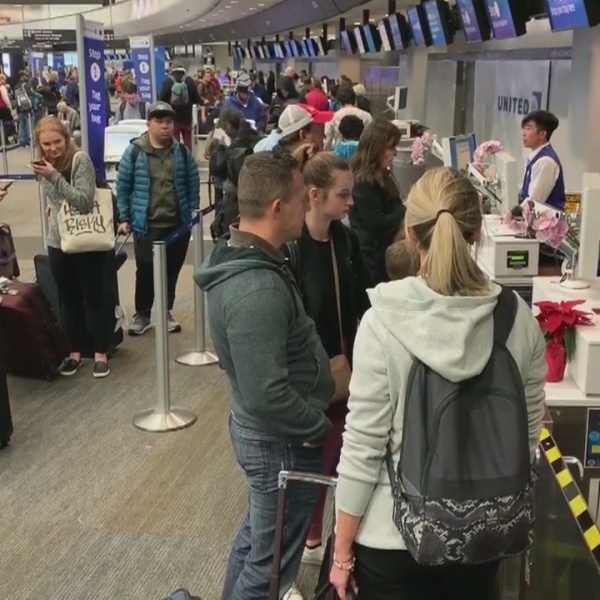 Thousands expected to travel through SFO as Christmas nears