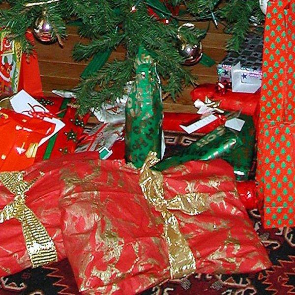 christmas-gifts_469604
