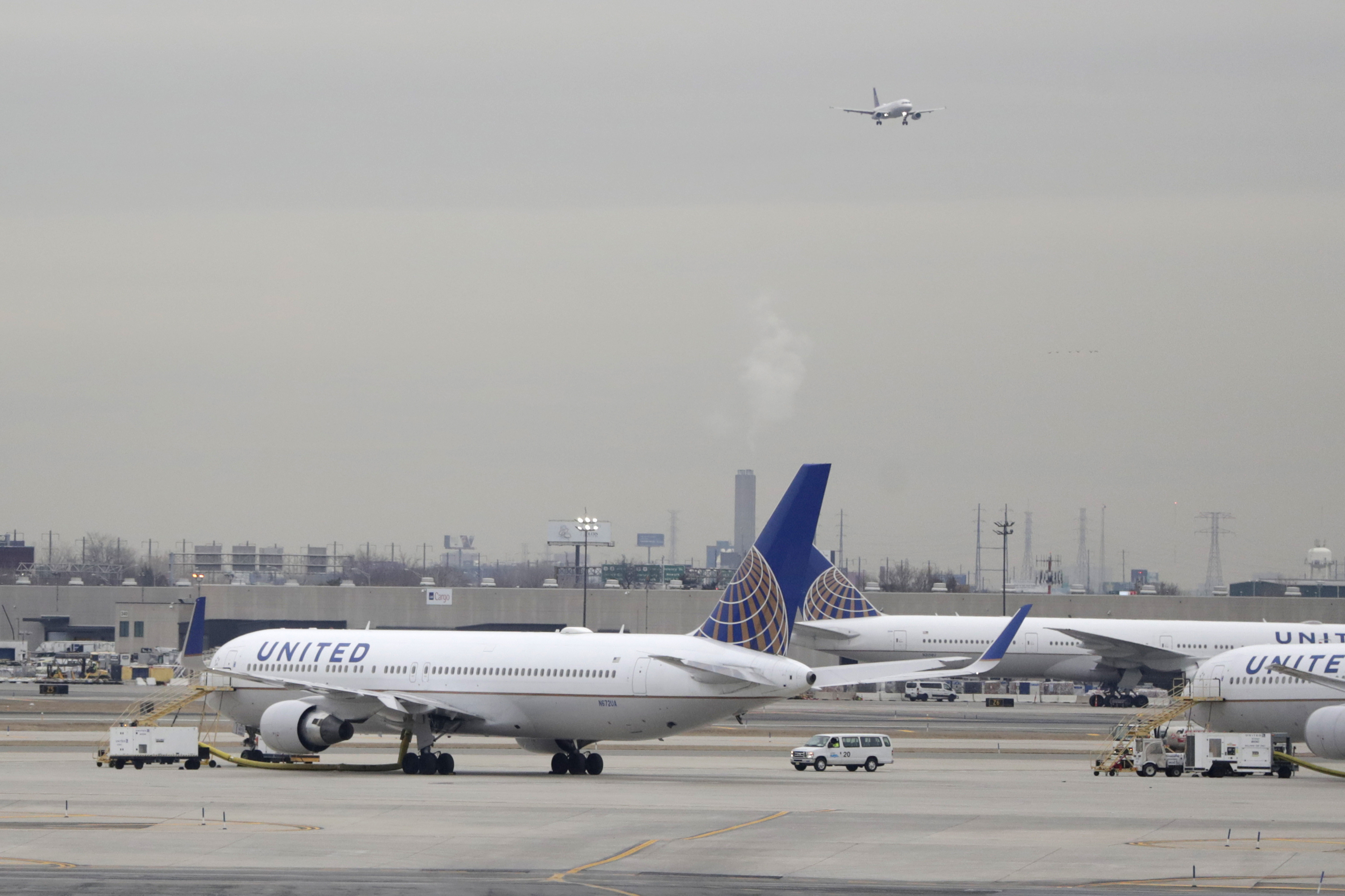 United first airline to offer 'non-binary' gender booking options