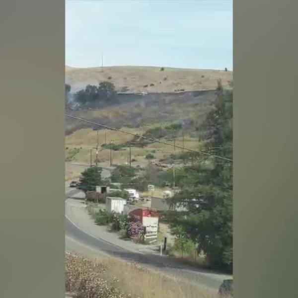 Fire in Livermore causes I-580 closures - Video from Adam Thompson