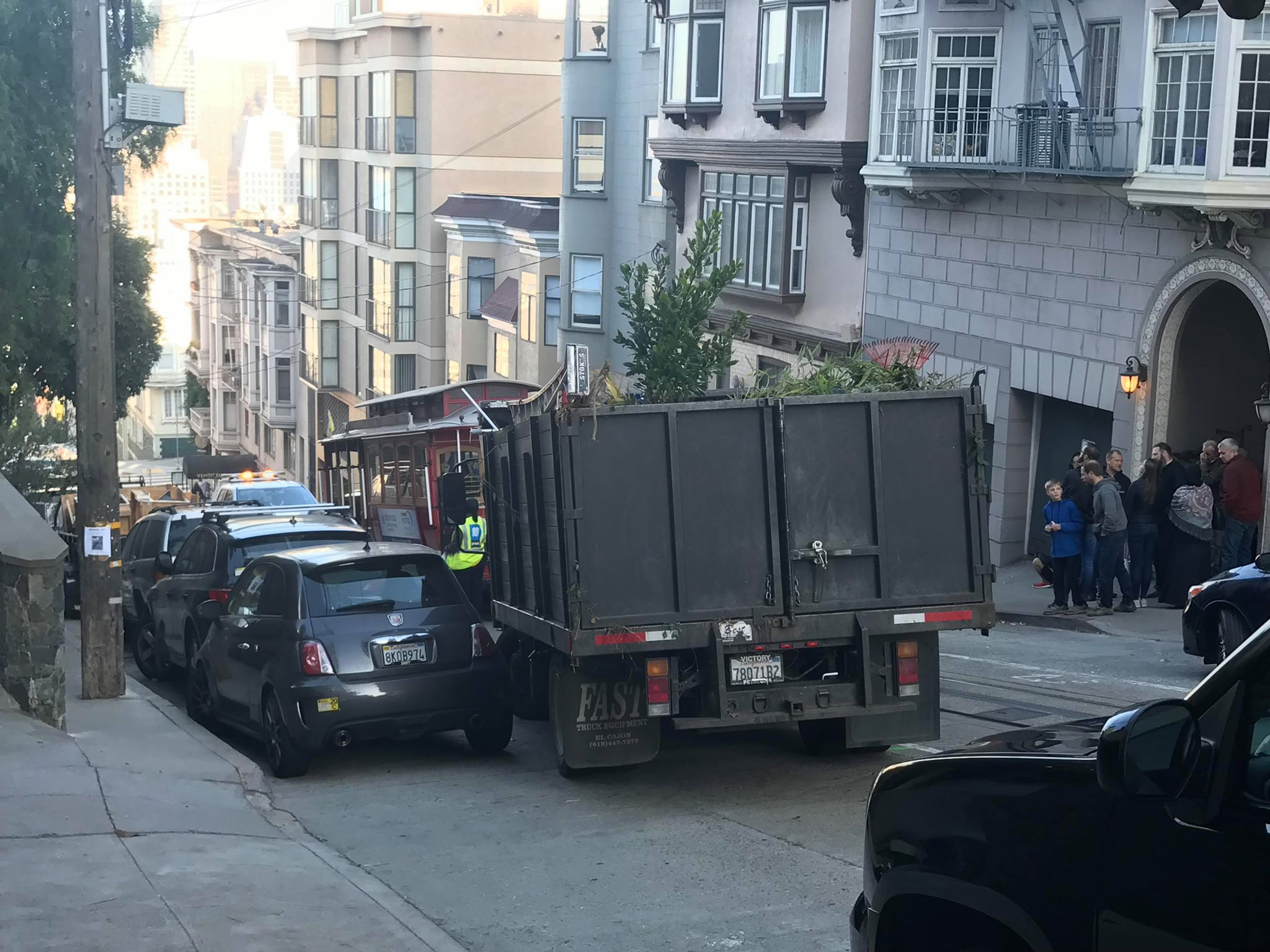 Nob Hill Hours >> 5 Hospitalized After Crash In San Francisco S Nob Hill