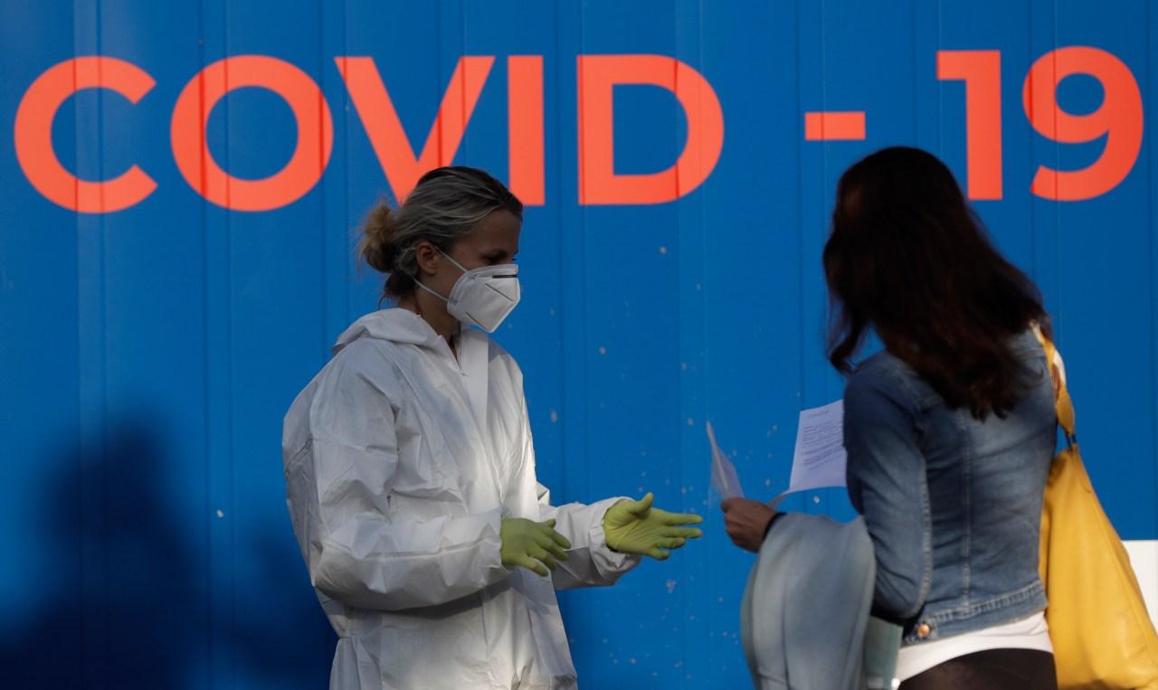 US death toll from coronavirus: 200K, highest in the world