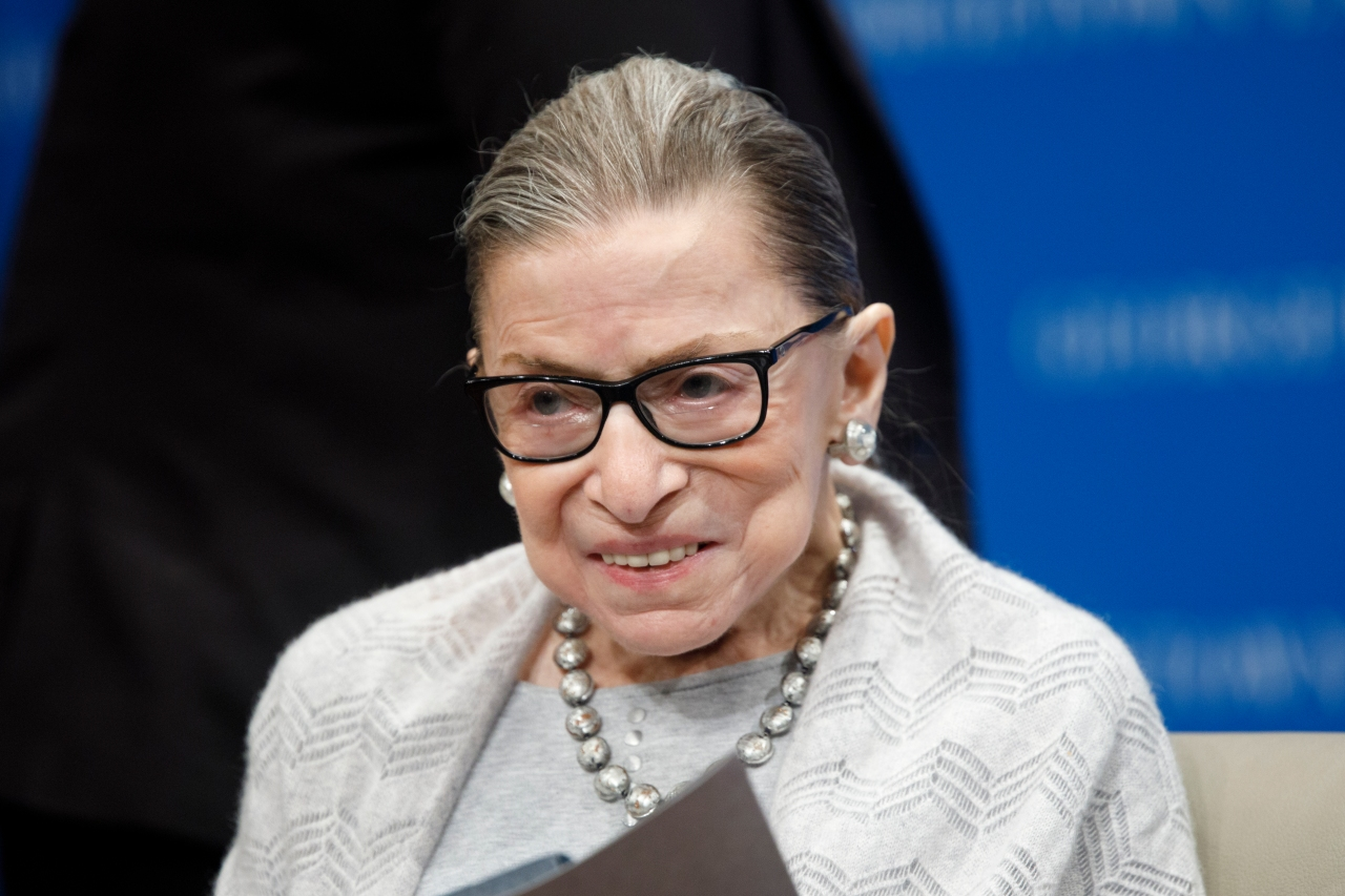 Politicians, celebs flood social media to honor Justice Ruth Bader Ginsburg