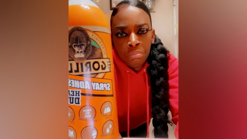 <div>'Gorilla Glue Girl' will see a surgeon after putting adhesive spray in hair</div>