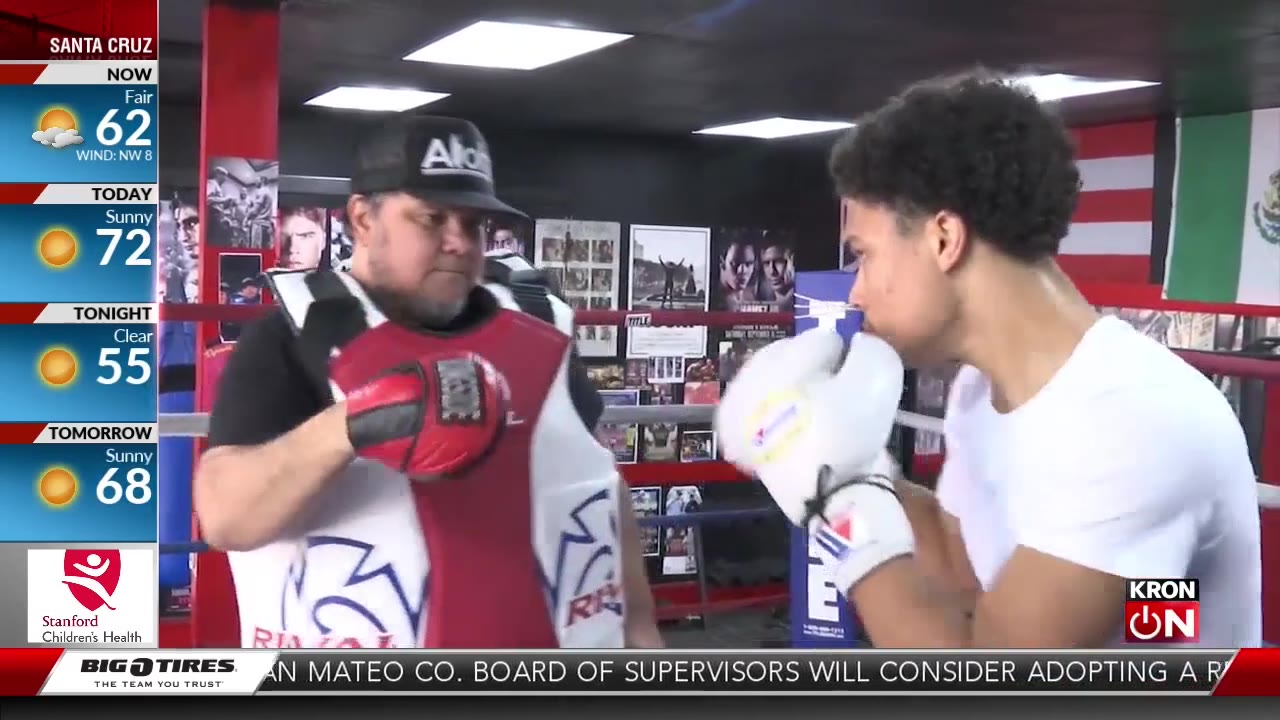 Oakland teen signs pro boxing contract with Mayweather Promotions