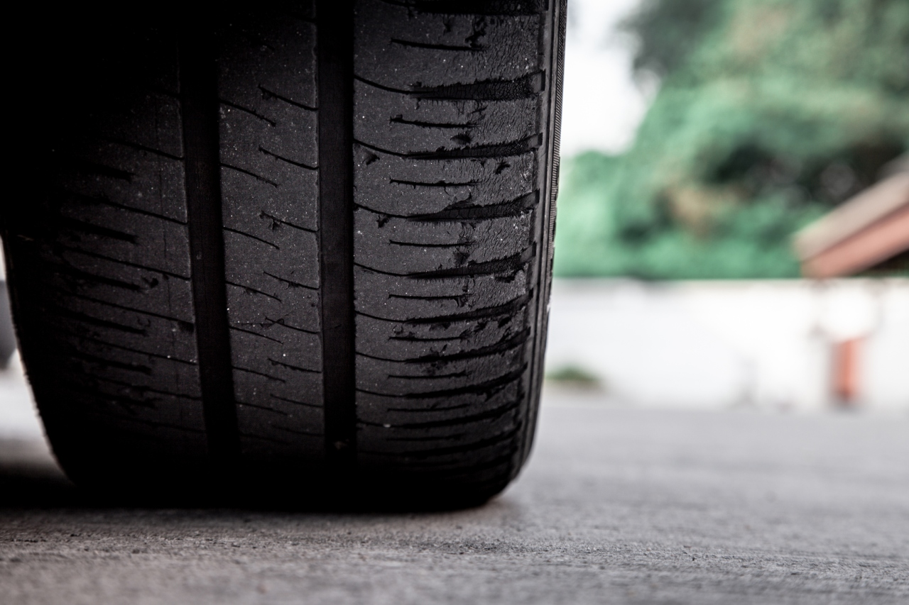 Woman wakes up to find tires slashed, severed finger on driveway
