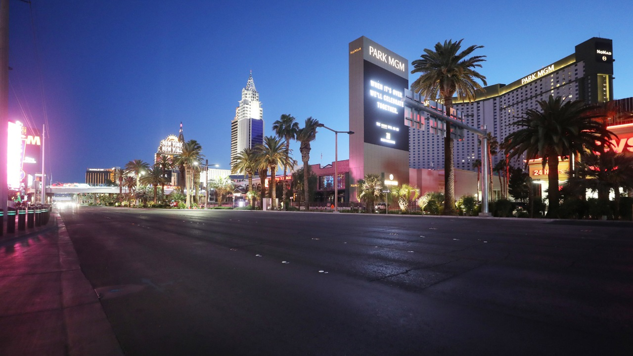 Guests at Las Vegas Strip sound off on new mask policies in resorts