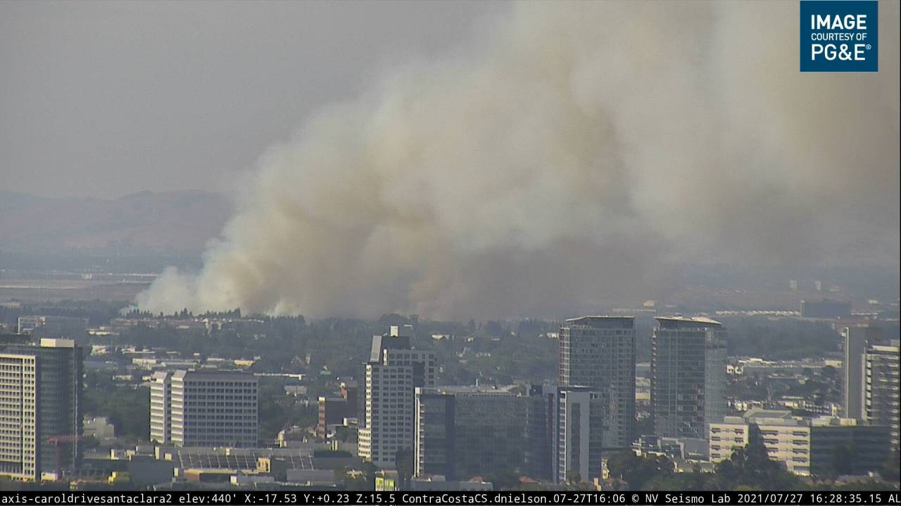 Crews respond to grass fire burning in San Jose