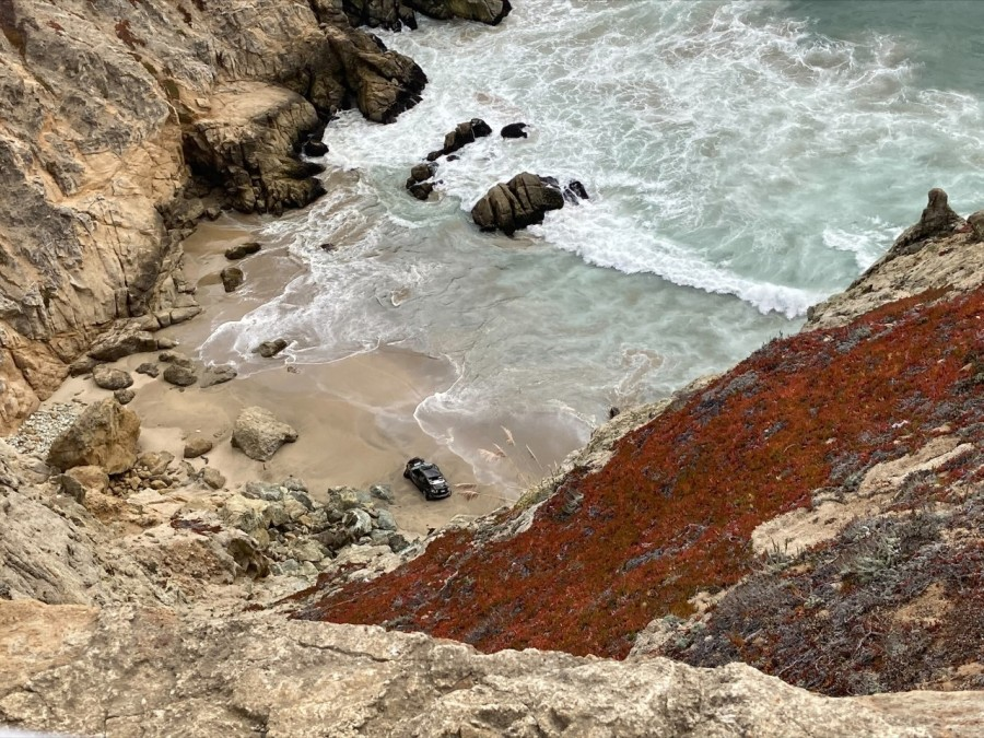 Car plunges from cliff in Pacifica, killing driver